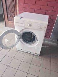 Machine à laver automatique Saba