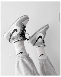 Baskets Nike Jordan 1