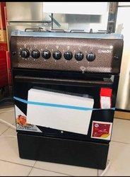 Cuisinière à four automatique