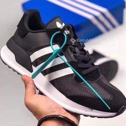 Baskets Adidas