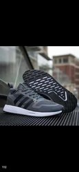 Chaussures Adidas de classe