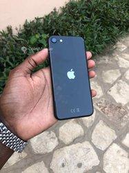 iPhone SE 2020 - 64 Go