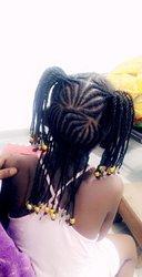 Cherche - Aide coiffeuse stagiaire