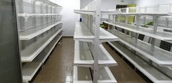 Étagères de supermarché et archives
