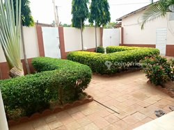 Vente villa 10 pièces - Cotonou