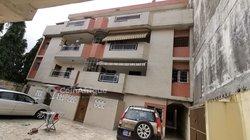 Vente Immeuble avec 12 appartements - Angré Terminus 81-82