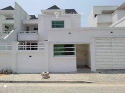 Vente Villa 9 Pièces 450 m² - Cotonou Cadjèhoun
