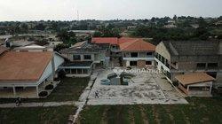 Vente bureaux et commerces 9000  - Agboville