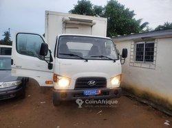Camion frigorifique Hyundai XG 2010