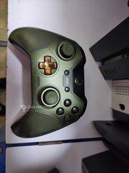 Console Xbox One - manette personnalisée