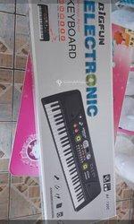 Piano Bigfun avec accessoires