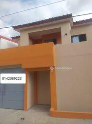 Vente Villas duplex 4 pièces - Cocody
