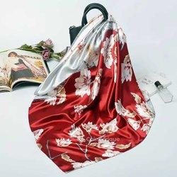 Foulards de soie fleurie