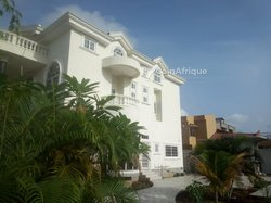 Vente immeuble R+2- Cotonou