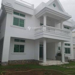 Location villa duplex 6 pièces - Cotonou