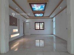 Vente Villa 5 Pièces 350 m² - Agoè réserve