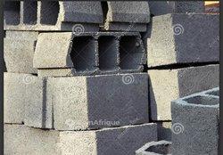Briques préfabriquées