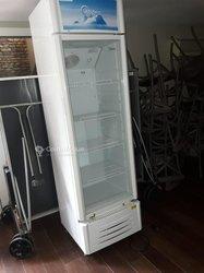 Réfrigérateur vitrine Midea