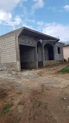 Vente villa inachevée 4 pièces - Yaoundé