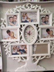 Arbre photos familial et horloge