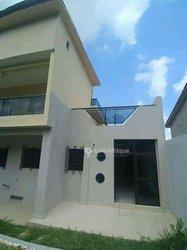 Location Villa duplex haut standing 5 pièces + 2 dépendantes - Riviera Bonoumin