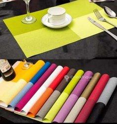 Lot de 4 sets de table multicolores