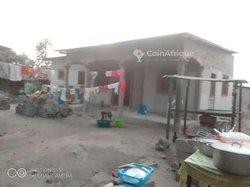 Terrain 300 m2 - Makayabou