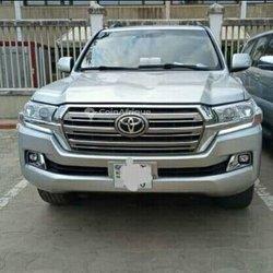 Location Toyota Land Cruiser