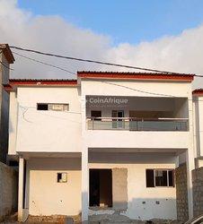 Vente Duplex 200 m² - Angrè