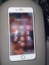 iPhone 8+ - 64 go