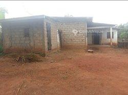 Vente villa inachevée 6 pièces -  Nkolfoulou