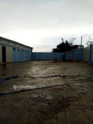 Location Entrepôt 2400 m² - Anyama