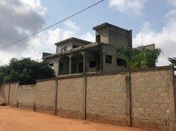 Vente Immeuble R+2 inachevé - Calavi Djadjo
