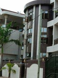 Vente Immeuble r+2 - Fidjrossé