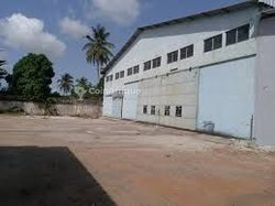 Location entrepôt 600m² - Yopougon Niangon
