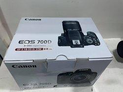 Appareil photo Canon EOS 700D + objectif 18-55mm