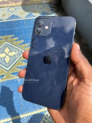 Apple iPhone 12 - 64Go