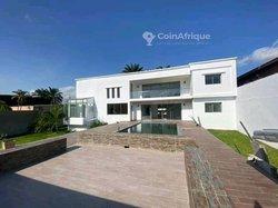 Vente Villa 9 pièces - Cocody 2 Plateaux Vallon