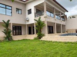 Location villa 7 pièces - Riviera M'badon