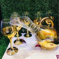 Ensemble carafe - verres à vin