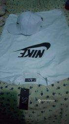 T-shirt + casquette Nike
