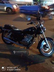 Moto Suzuki GZ 250 2007