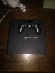 Console Playstation 4 slim