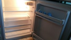 réfrigérateur de chambre ou bureau