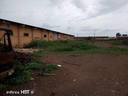 Vente entrepôt de 2750 m²-  Kossodo/Ouagadougou