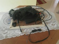 PlayStation 2 + 2 manettes + 2 USB